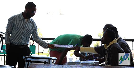 Fermeture des bureaux de vote peu de participation au 2e tour des lections en ha ti vid o - Fermeture bureau de vote ...
